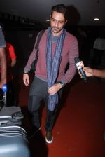 Arjun Rampal snapped at international airport on 3rd Jan 2016