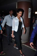 Priyanka Chopra returns from vacation on 3rd Jan 2016