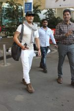 Sonu Nigam snapped at airport on 4th Jan 2016