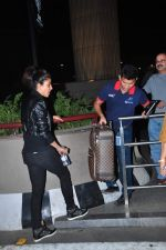 Priyanka Chopra snapped at international airport on 5th Jan 2016