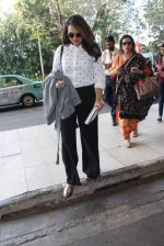 Sonakshi Sinha snapped at Airport on 6th Jan 2016 (25)_568e223328cb8.JPG