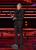 2016 Peoples Choice Awards (20)_568f68df74d38.JPG