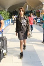 Rhea Chakraborty snapped at domestic airport on 7th Jan 2016 (37)_568f69ea8ae4d.JPG