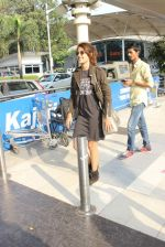 Rhea Chakraborty snapped at domestic airport on 7th Jan 2016 (38)_568f69eb985f7.JPG