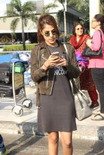 Rhea Chakraborty snapped at domestic airport on 7th Jan 2016 (42)_568f69ef8fe5c.JPG