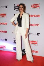 Aditi Rao Hydari at Filmfare Nominations red carpet on 9th Jan 2016
