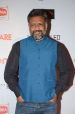 Anubhav Sinha at Filmfare Nominations red carpet on 9th Jan 2016 (11)_5693955fef0fb.JPG