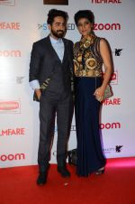 Ayushman Khurana at Filmfare Nominations red carpet on 9th Jan 2016 (162)_5693965a8b76e.JPG
