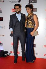 Ayushman Khurana at Filmfare Nominations red carpet on 9th Jan 2016 (164)_5693965c7d28a.JPG