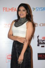 Bhumi Pednekar at Filmfare Nominations red carpet on 9th Jan 2016