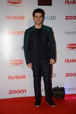 Girish Kumar at Filmfare Nominations red carpet on 9th Jan 2016