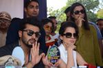 Kangana Ranaut, Arjun Kapoor at RTO office in Thane on 10th Jan 2016