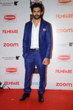 Kartik Aaryan at Filmfare Nominations red carpet on 9th Jan 2016 (229)_5693976e9fec0.JPG