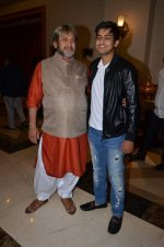 Mahesh Manjrekar at Natsamrat bash on 10th Jan 2016 (34)_5693bee5bca21.JPG