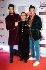 Manish Paul, Ranveer Singh at Filmfare Nominations red carpet on 9th Jan 2016