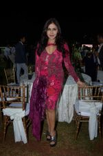 Nisha Jamwal at Zavaray Poonawala race on 9th Jan 2016