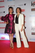 Radhika Apte, Aditi Rao Hydari at Filmfare Nominations red carpet on 9th Jan 2016