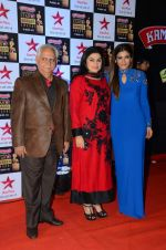 Ramesh Sippy at Star Screen Awards Red Carpet on 8th Jan 2016