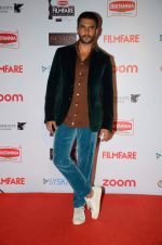 Ranveer Singh at Filmfare Nominations red carpet on 9th Jan 2016