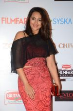 Sonakshi Sinha at Filmfare Nominations red carpet on 9th Jan 2016