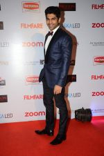 Taaha Shah at Filmfare Nominations red carpet on 9th Jan 2016 (152)_569399ca75386.JPG