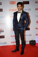 Taaha Shah at Filmfare Nominations red carpet on 9th Jan 2016 (153)_569399cb59923.JPG