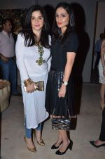 Anu Dewan, Maheep Kapoor at Penny Patel_s art event on 12th Jan 2016 (15)_5696142c8936b.JPG
