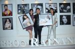 Athiya Shetty, Kriti Sanon at Dabboo Ratnani calendar launch in Mumbai on 12th Jan 2016