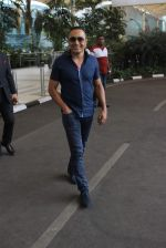 Rahul Bose snapped at airport on 12th Jan 2016 (19)_569611a204a4f.JPG
