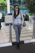 Shruti Haasan snapped at Airport on 13th Jan 2016