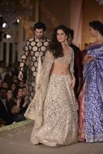 Katrina Kaif, Aditya Roy Kapur walks for Manish Malhotra show for Sahachari Foundation on 14th Jan 2016 (104)_5698f2e5de209.JPG