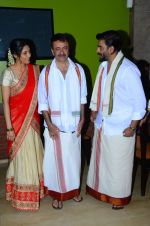 Ritika Singh, Madhavan, Rajkumar Hirani with Saala Khadoos team celebrate Pongal on 14th Jan 2016 (15)_5698ec9e753d7.JPG