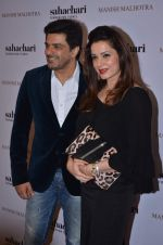 Sameer Soni, neelam Kothari at Manish Malhotra show for Sahachari Foundation on 14th Jan 2016 (250)_5698f3f8e9ab2.JPG