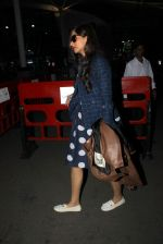 Sonam Kapoor snapped at airport on 14th Jan 2016