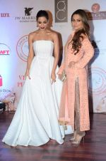 Amrita Arora, Malaika Arora Khan at Vikram Phadnis 25 years show on 16th Jan 2016 (273)_569b824243af7.JPG