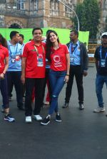 Katrina Kaif, Ronnie Screwvala at Mumbai marathon on 17th Jan 2016 (124)_569b822e9d98b.JPG