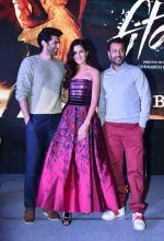 Katrina Kaif, Aditya Roy Kapur, Abhishek Kapoor promote Fitoor in Delhi on 15th Jan 2016 (41)_569b6c67ceca4.JPG