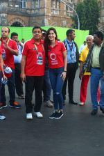 Katrina Kaif, Ronnie Screwvala at Mumbai marathon on 17th Jan 2016 (118)_569b822ac60cb.JPG