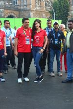 Katrina Kaif, Ronnie Screwvala at Mumbai marathon on 17th Jan 2016 (120)_569b822bd1a93.JPG