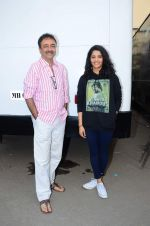 Ritika Singh, Rajkumar Hirani at Saala Khadoos photo shoot on 15th Jan 2016 (21)_569b60e27935d.JPG
