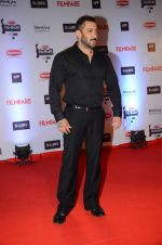 Salman Khan at Filmfare Awards 2016 on 15th Jan 2016 (486)_569b475844167.JPG