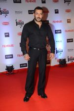 Salman Khan at Filmfare Awards 2016 on 15th Jan 2016 (487)_569b47592a7be.JPG