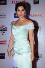 Sophie Chaudhary at Filmfare Awards 2016 on 15th Jan 2016
