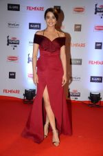 Surveen Chawla at Filmfare Awards 2016 on 15th Jan 2016