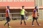 Arjun Kapoor snapped in action at soccer match on 18th Jan 2016 (16)_569ddf3d83949.JPG