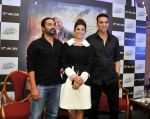 Nimrat Kaur, Akshay Kumar at the press conference of film airlift in Le-meridian Delhi on 18th Jan 2016