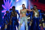 Elli Avram at Umang police show on 19th Jan 2016