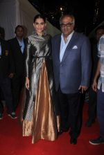 Sonam Kapoor, Boney Kapoor at Umang police show on 19th Jan 2016