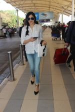 Adah Sharma snapped at the airport on 21st Jan 2016