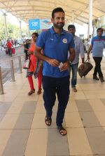 Irfan Pathan snapped at the airport on 21st Jan 2016